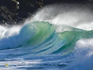 Welle am Plage von St. Tugen