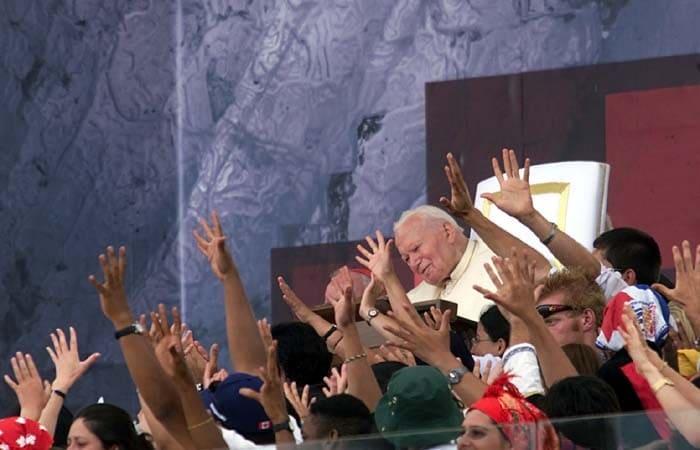 Il Papa tra i giovani