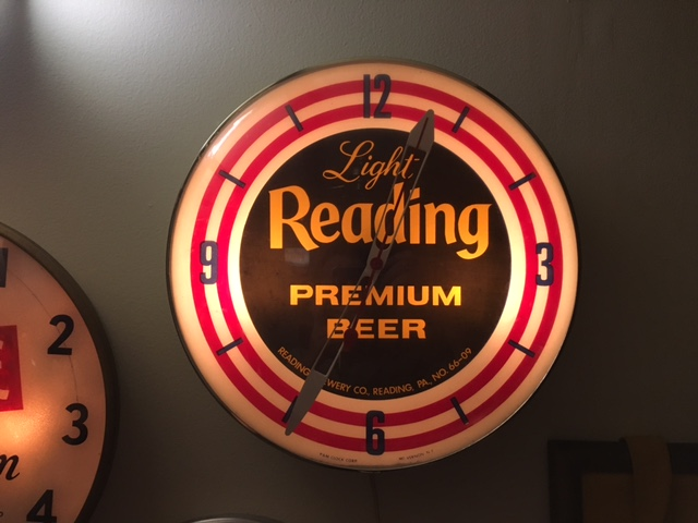 Reading Premium PAM Clock