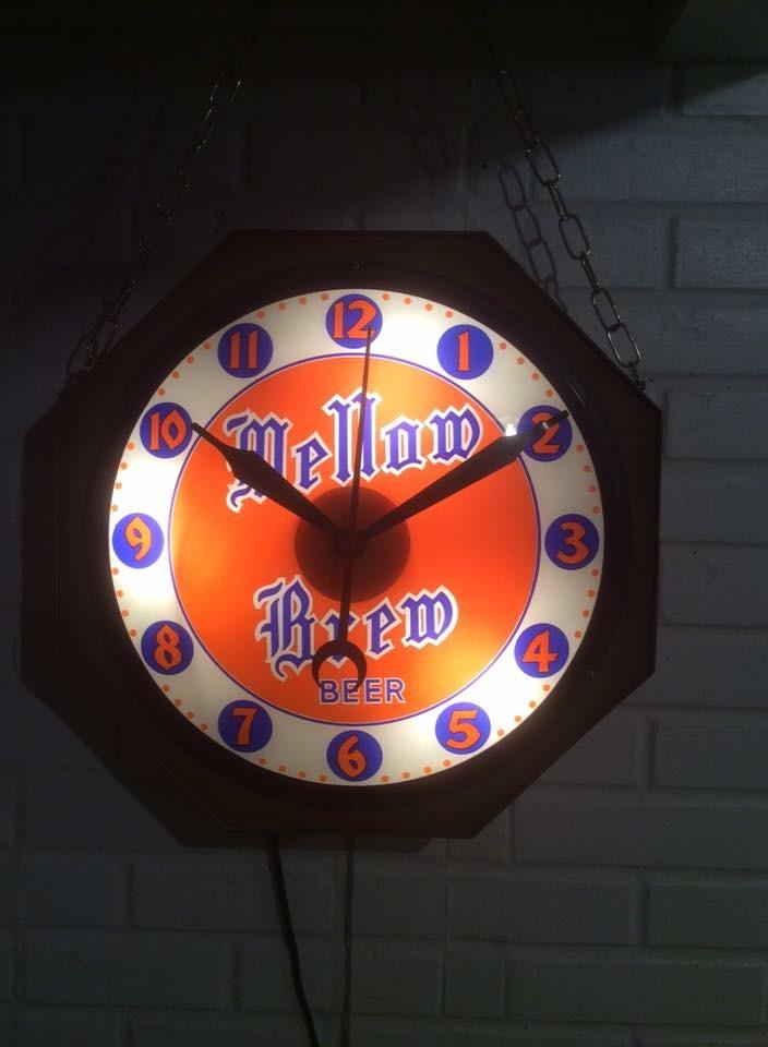 Mellow Brew Beer Clock