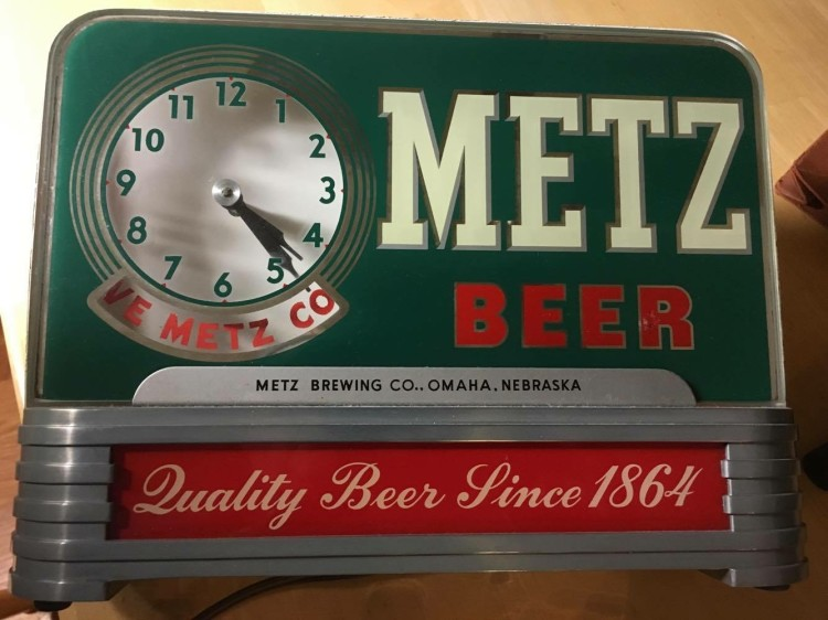 Metz Beer Bar Back Clock Sign
