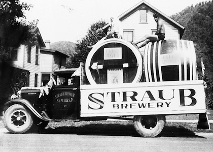 Straub Brewery Parade Truck