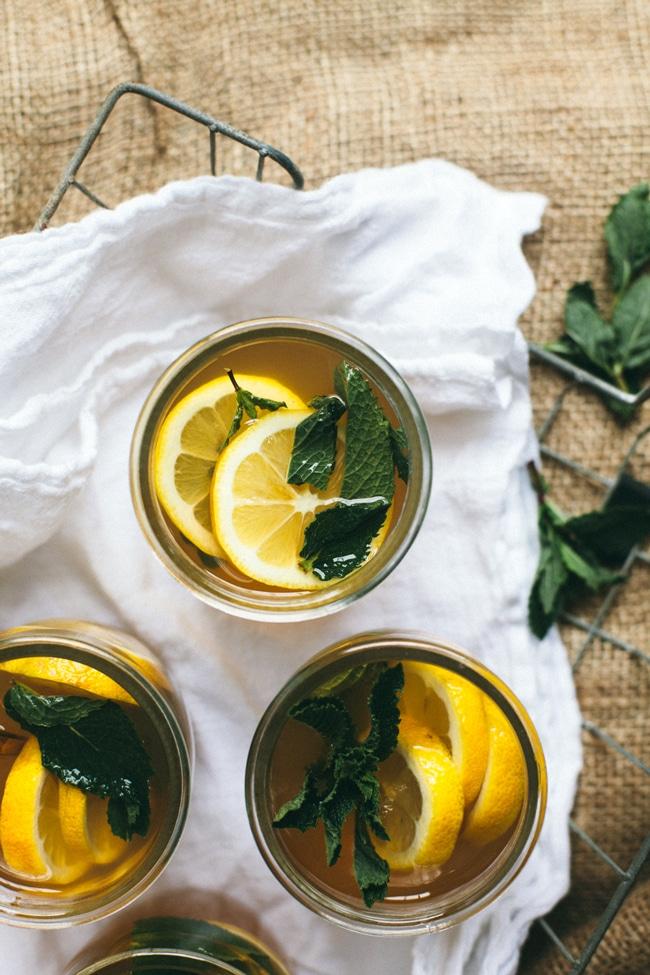 green tea sangria with lemon and mint