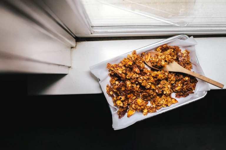 Honey and Bee Pollen Granola + #30screenlessnights