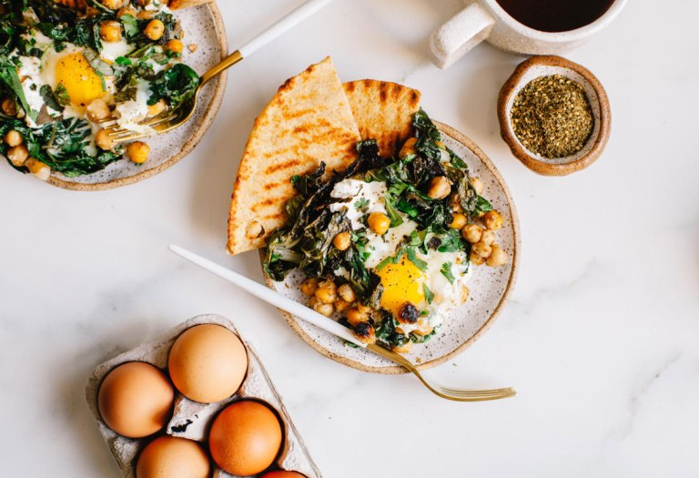Mediterranean-Spiced Yogurt and Egg Breakfast Skillet #vegetarian #breakfast #healthy   Brewing Happiness