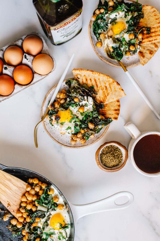 easy mediterranean breakfast skillet