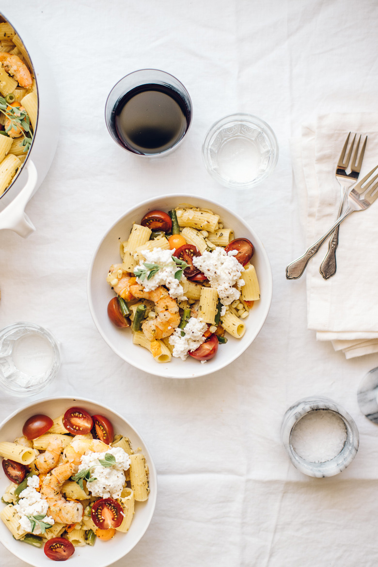 two bowls of summer shrimp pasta