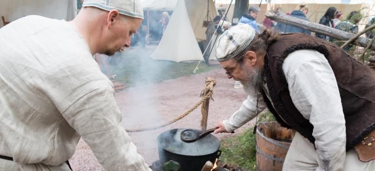 Brewing taari farmhouse beer at the Medieval Market of Turku