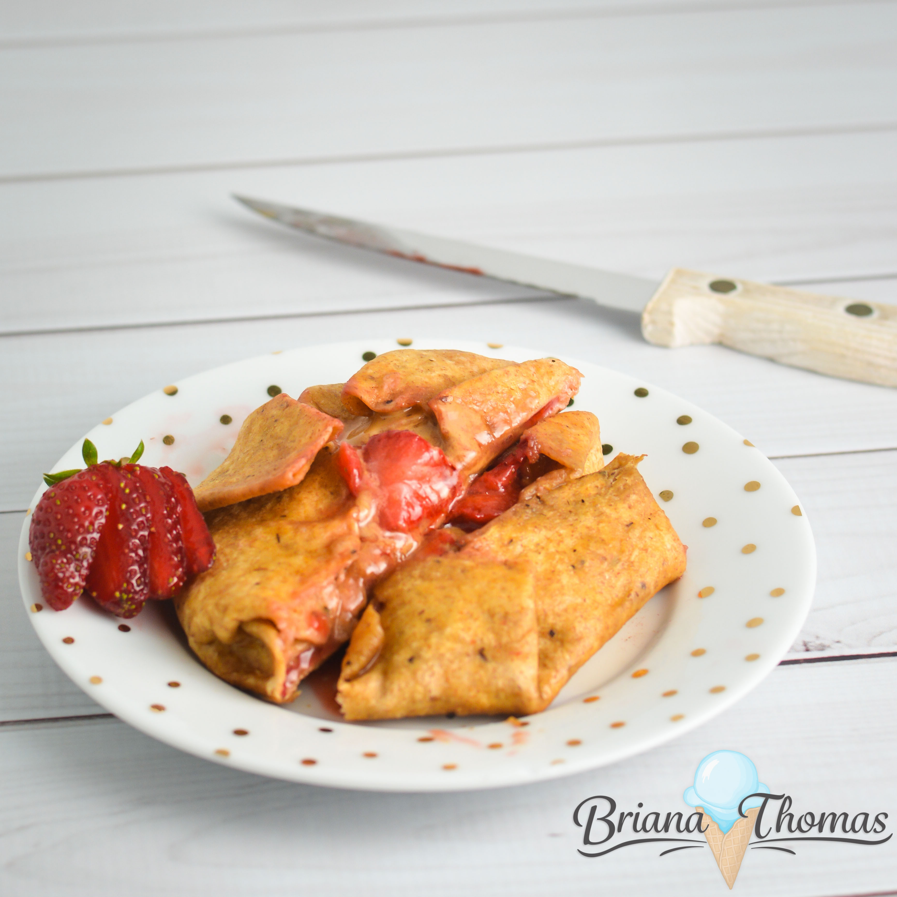 This PB&J Fried Taco is a tasty low-carb snack with all the flavors of the classic sandwich + a crispy taco shell fried in coconut oil! THM:S