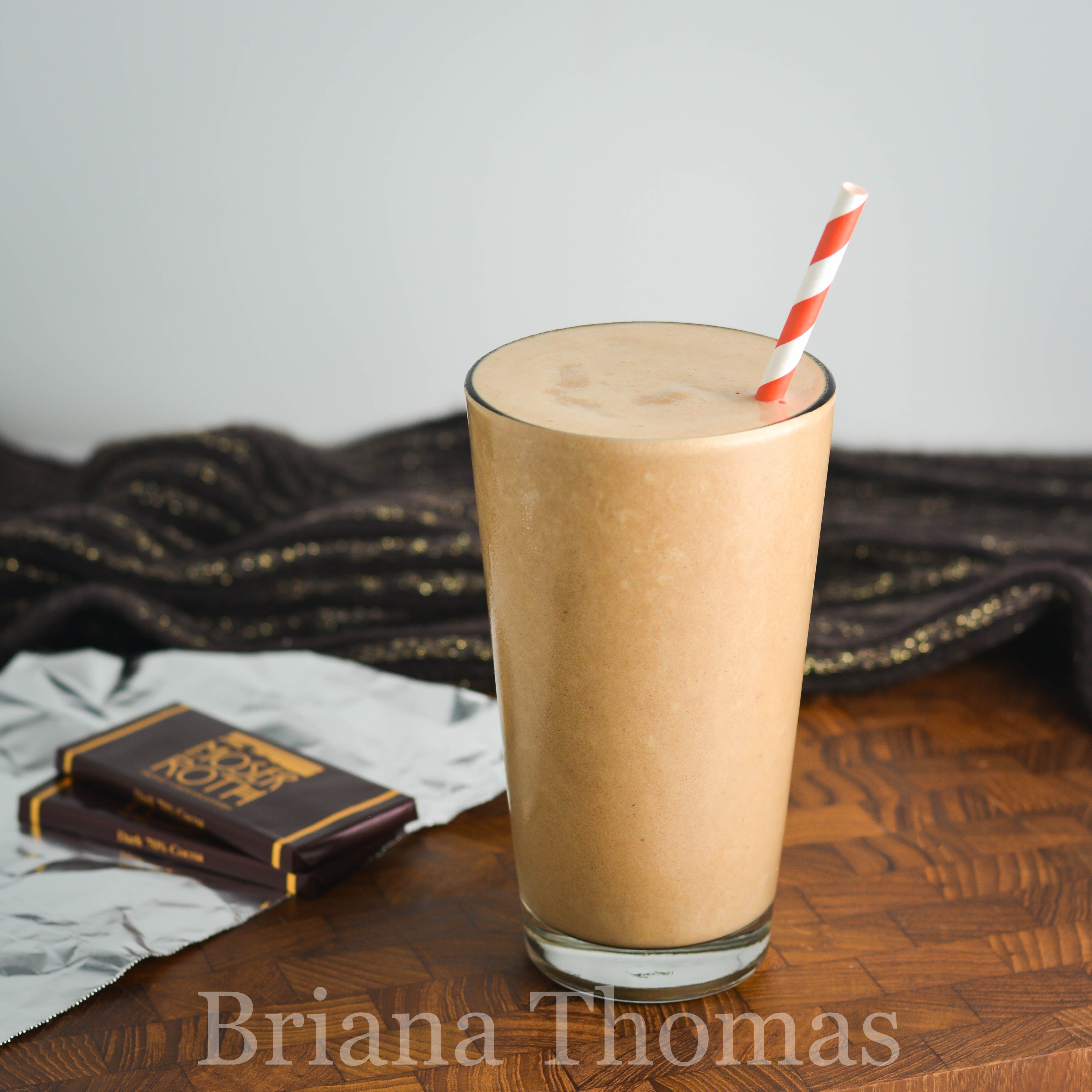 This S'mores Frappé is a healthier take on Starbucks - with some twists of my own. THM Fuel Pull, low carb, low fat, sugar free, gluten/egg/dairy free