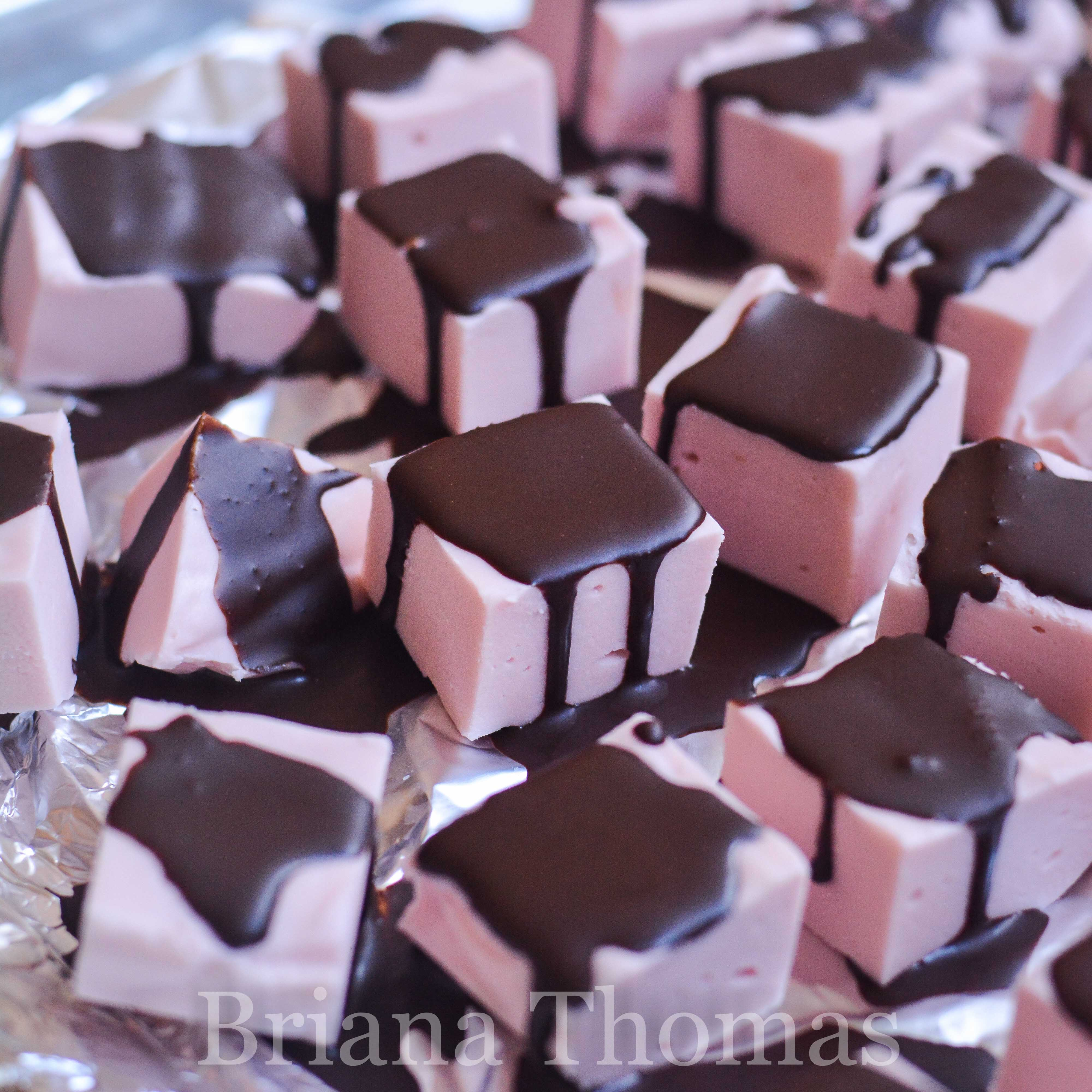 This Peppermint Truffle Fudge has a silky-smooth, marshmallowy texture! THM Deep S or S, low carb, sugar free, gluten/egg/nut free