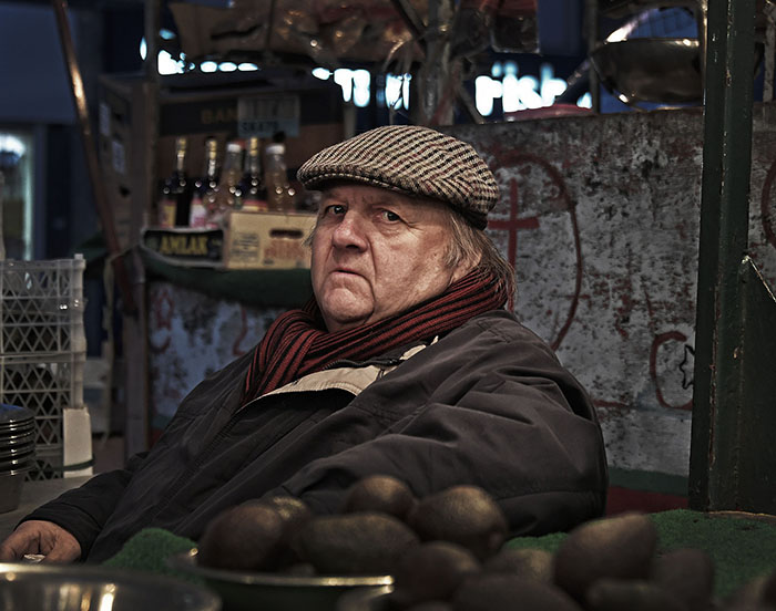 P{portrait of market stall holder Alan Hogg at Lewisham Market, London - image by Brian Cassey