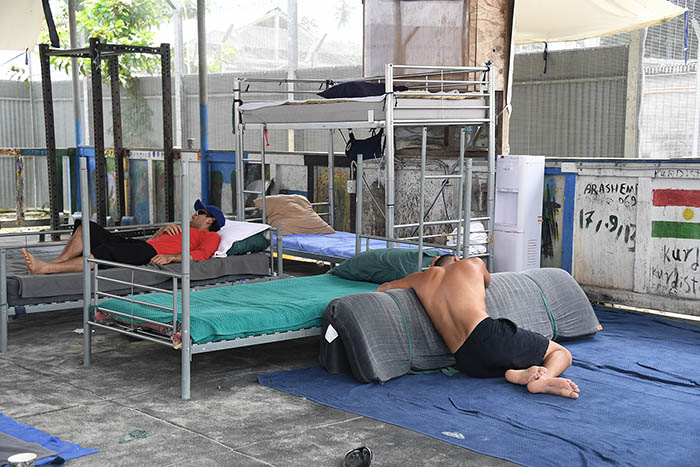 Inside Abandoned Manus - pic essay by Brian Cassey - inside the now abandoned Australian detention centre in PNG where near 600 asylum seekers are surviving without food, water and all other services