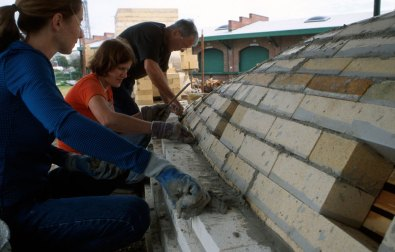 building the insulation layer over hardbrick arch