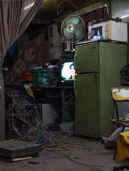 Stripping Wire in a Living Room, Hutong, Shanghai, China (IMG_3624)