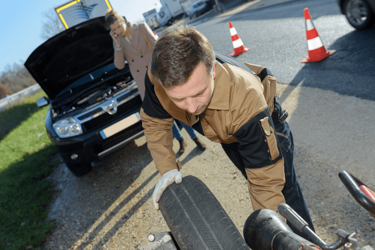 How to Get Roadside Assistance on the Cheap