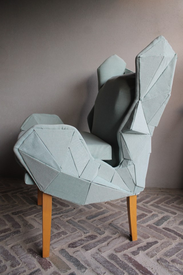 sidefront-chair