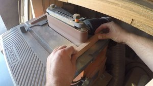shaping on the spindle sander