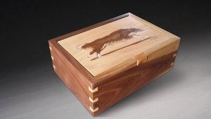 Walnut keepsake box with dovetail key joinery