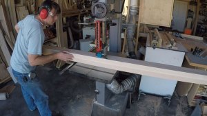 Cutting a curve on the band saw