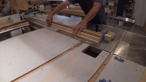 cut wood square on table saw
