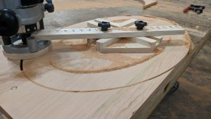 Oval Cutting Jig - woodworking jigs and templates - How to