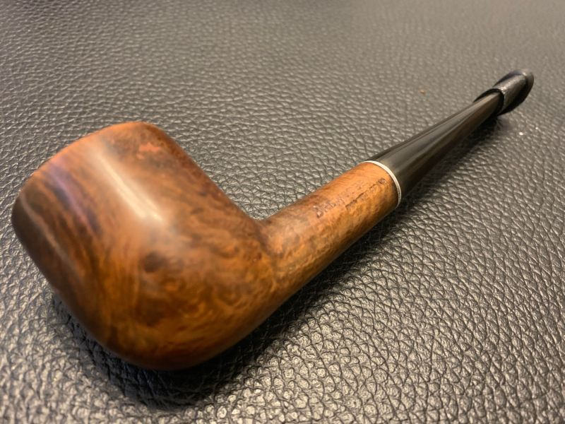 Photo a Brewster pipe from a winning auction.