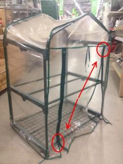 Mini serra per proteggere fiori e piante dal gelo in arrivo