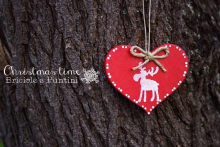 cuore di legno con renna