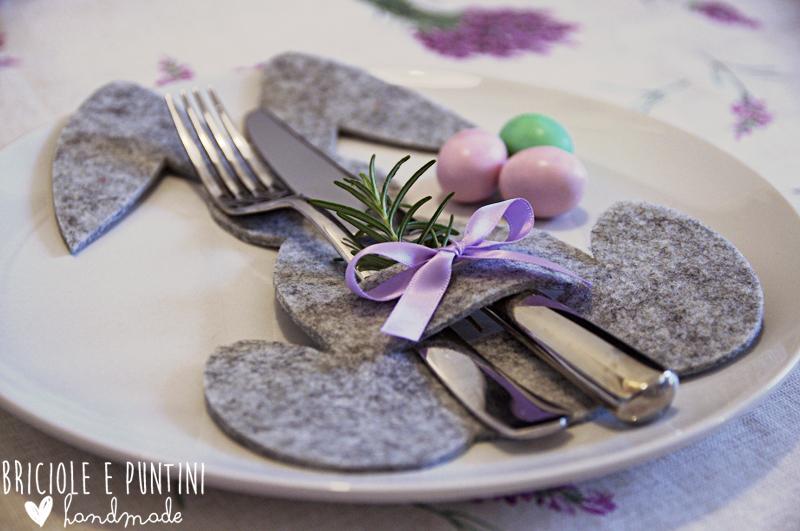 coniglio porta posate in feltro per la tavola di Pasqua