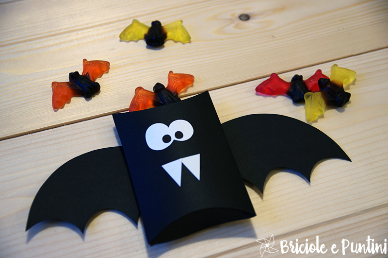 Halloween pillow box pipistrello