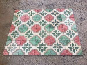 Pavimento in pastina fiori marmorizzato
