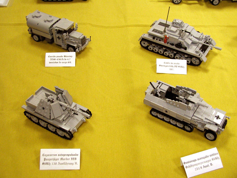 Vehículos de Panzerbricks en la feria