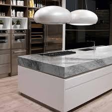 Plan de travail en marbre ou en granit: lequel choisir?