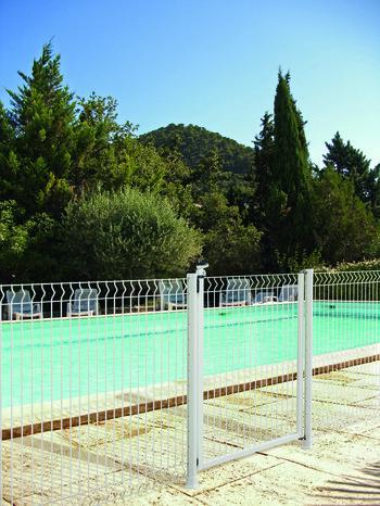 portillon blanc pour cloture de piscine