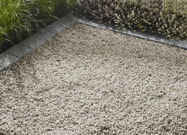 gravier calcaire rond beige sac de 25 kg blooma