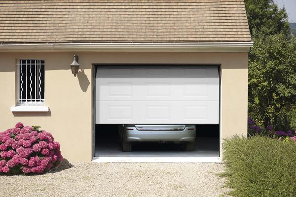Porte De Garage Sectionnelle Motorisee En Acier H 200 Cm L 240 Cm Blanche Brico Depot