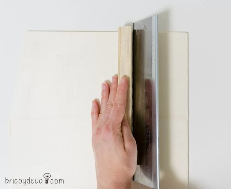 cortar chapa de madera para hacer azulejos DIY