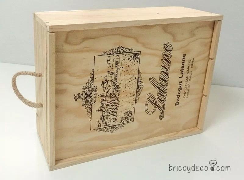 antes de reciclar una caja de vino