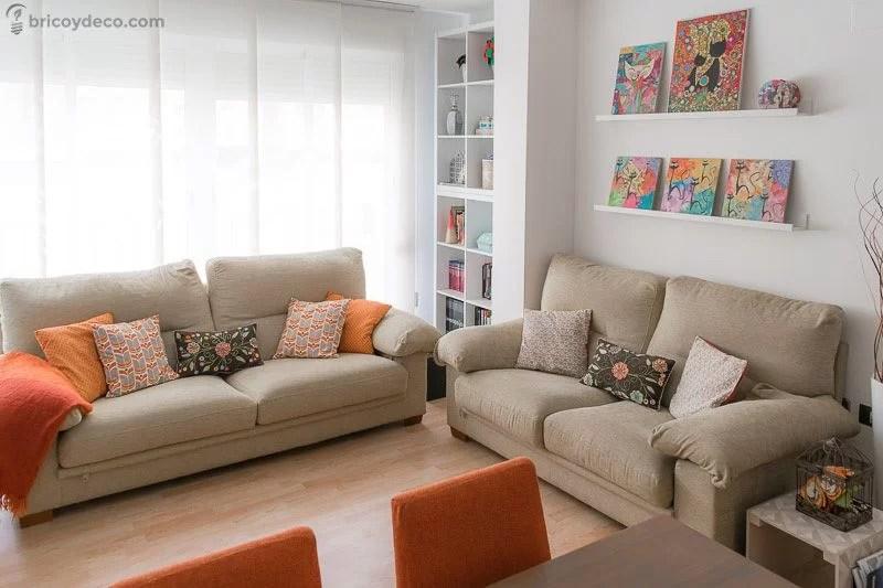 cómo decorar un salón pequeño con tonos claros