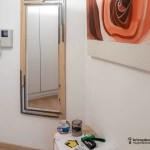 colocar un espejo y marco sin taladrar la pared