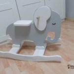 balancín de madera con forma de elefante