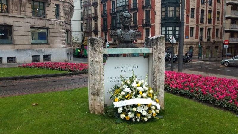 Ofrenda floral en Bilbao al Libertador Simón Bolívar