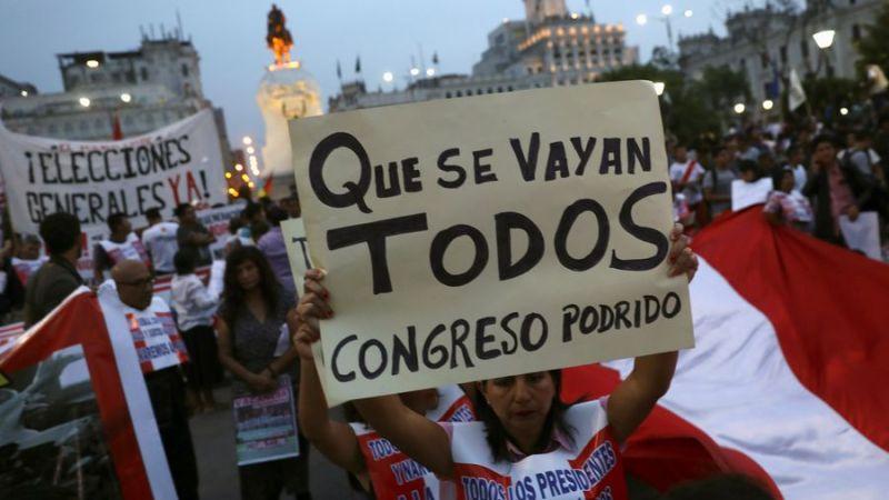 Ondata repressiva in Perù. Arrestate un centinaio di persone, anche alcuni avvocati. -IT/ESP