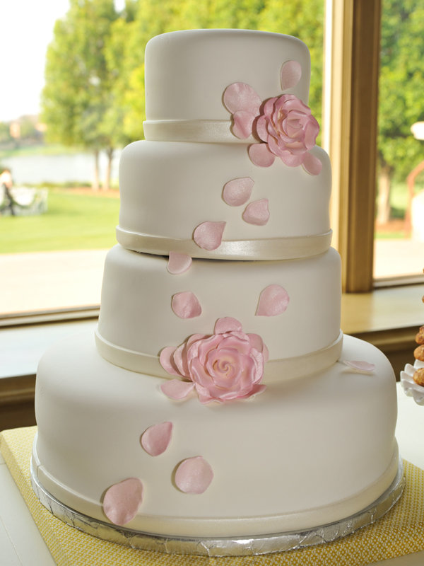 Simple  Chic Wedding Cakes We Love   BridalGuide traditional wedding cake