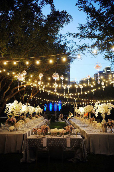 edwin and i decided on a long table for the seating arrangements at our intimate wedding in italy i love how this sweetheart table is the center of the