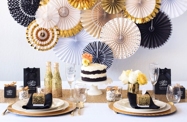 Glam gold and black wedding decoration ideas bride bows junglespirit Image collections