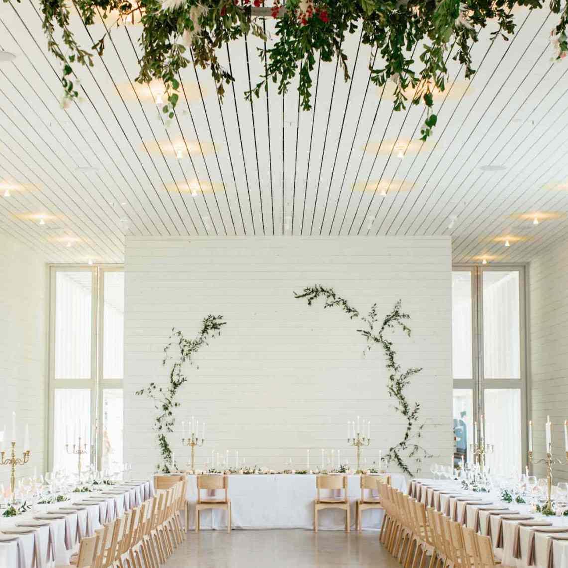 30 Minimalist Wedding Ideas for the Cool Bride