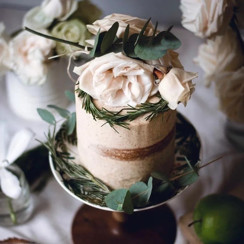 Floral naked mini cake