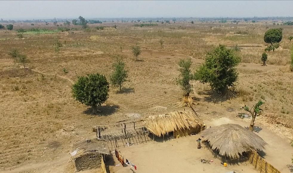 Aerial view of dried up farmland on the edge of Maseria vilalge, Ngokwe, Machinga district, Malawi